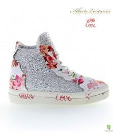 Белые кроссовки ''Foolish Love''