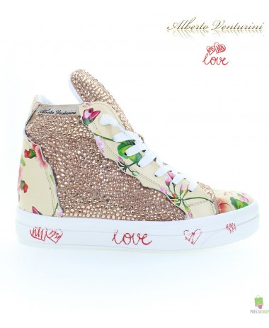Rosa Sneaker ''Foolish Love''