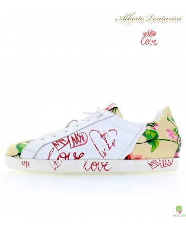 Beige Sneaker ''First Love''
